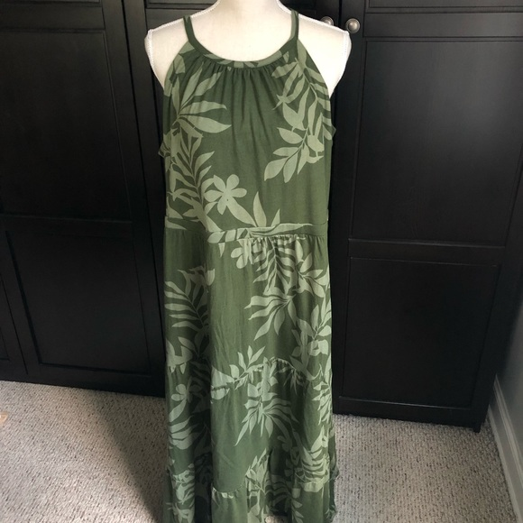 Old Navy Dresses & Skirts - Old Navy Olive Print Tiered Maxi Dress NWOT